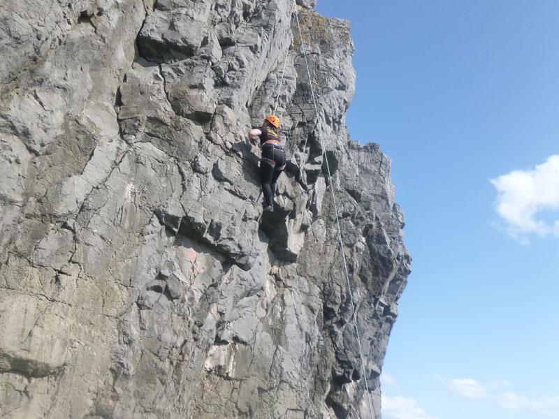 Gold-res-18-Climbing